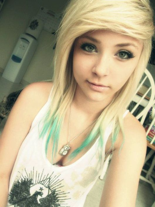 Cute emo girl hairstyles for medium hair