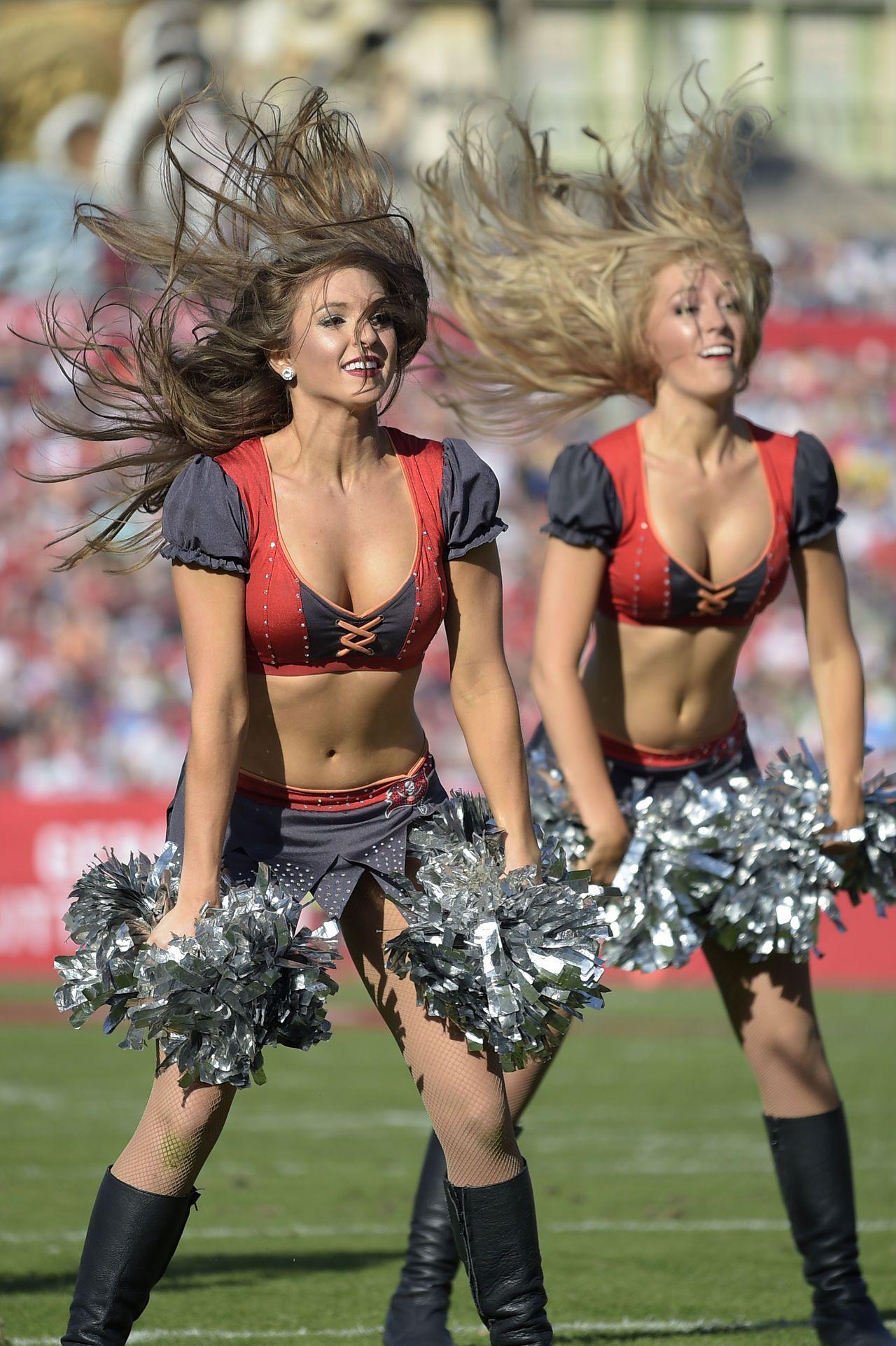 Tampa bay buccaneers cheerleader tricia