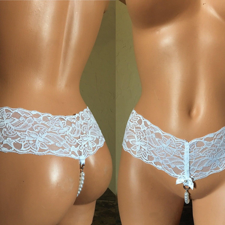 Thong crotchless panties