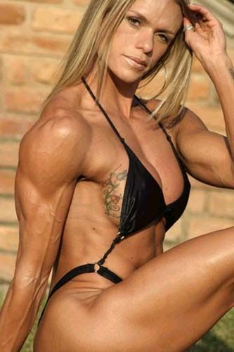 Female muscle larissa reis nude