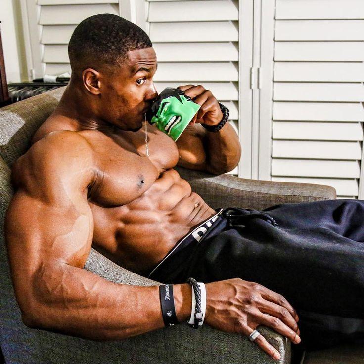 worship Gay bodybuilder muscle