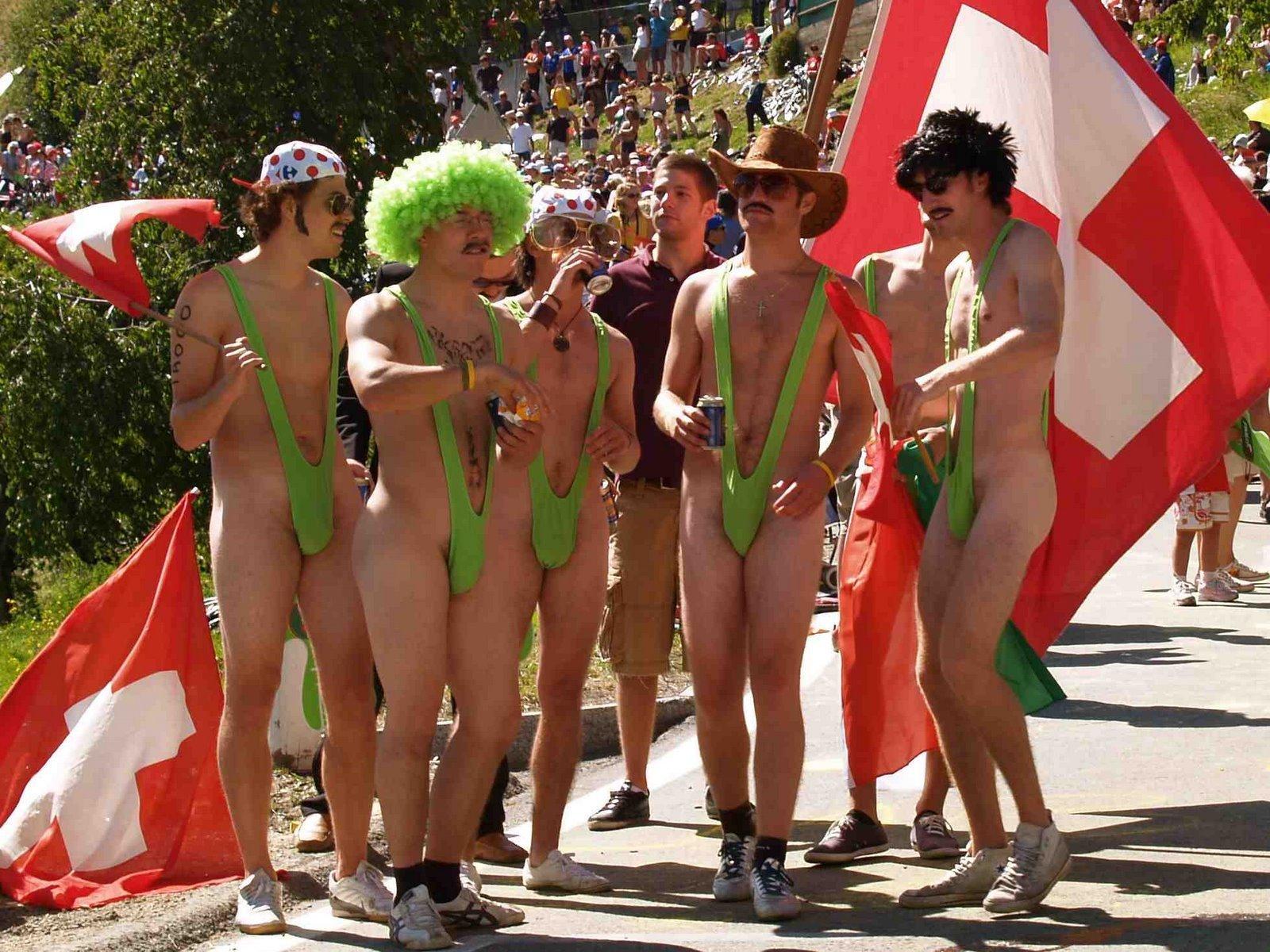 Naked girl at tour de france
