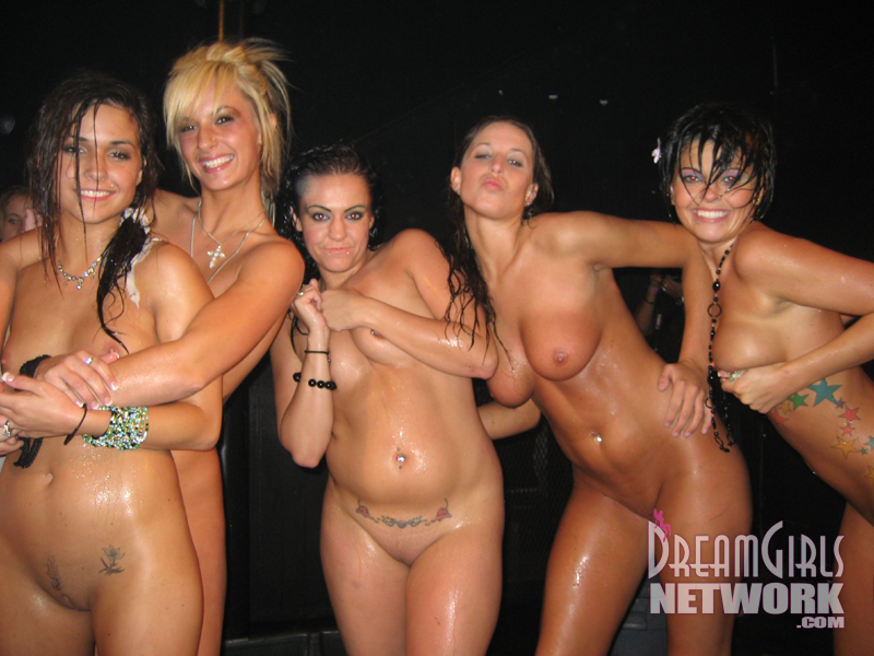 Nude dreamgirls coeds eating pussy