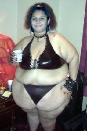 thick girls in bikinis Black chubby